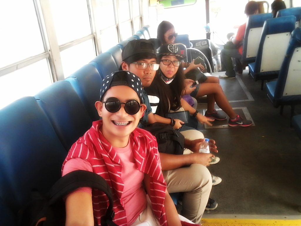 airport-bus-min