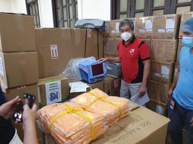 SM distribute PPEs to hospitals in PH during Coronavirus Pandemic Feature Image